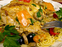 Italienisches gebackenes Huhn Stockfoto