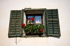 Italienisches Haus ausführlich Tirol-Fenster Lizenzfreie Stockbilder