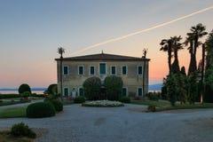 Italienisches Landhaus bei Punta San Vigilio, See Garda stockbilder
