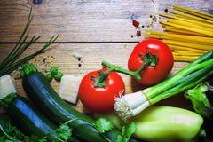 Italienisches Lebensmittel backgroundi Lizenzfreies Stockfoto