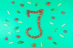 Italienisches Lebensmittel, das Muster mit Buchstaben isst Stockfotografie