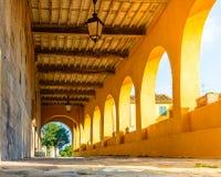 Italienisches mittelalterliches Portal, Toskana, Italien Lizenzfreies Stockfoto