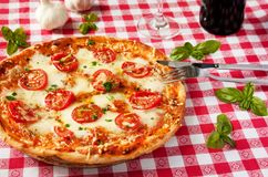 Italienisches Pizza margherita Stockbild