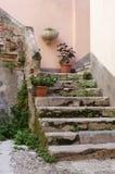 Italienisches Treppenhaus Lizenzfreies Stockfoto