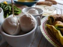 Italienisches vegetarisches Mittagessen mit lokalen Produkten lizenzfreie stockfotografie