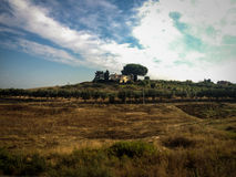 Italiensk bygd och villa på rutten till Naples royaltyfri bild