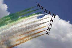 Italiensk flagga i luften Arkivbild