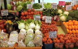 italiensk marknadsgrönsak för frukt Arkivbild
