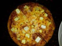 Italiensk maträtt för pizza-en fotografering för bildbyråer