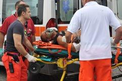 Italiensk medicinsk service i handling Arkivbilder