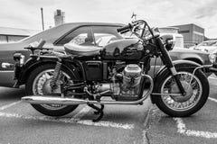 Italiensk motorcykel Moto Guzzi V7 Arkivbild