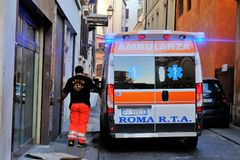 Italiensk nöd- mobil enhet Arkivbilder