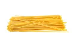 Italiensk pasta för spagetti som isoleras på vit Royaltyfri Fotografi
