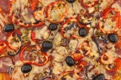 Italiensk pizza med tomater och peppar Pizzatextur Fotografering för Bildbyråer