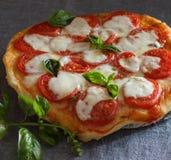 Italiensk pizzamargarita Arkivfoton