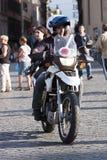 Italiensk polis i motorcykel Arkivfoto