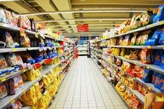 Italiensk ren supermarket, inomhus Arkivbild