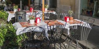 Italiensk restaurangyttersida arkivbild