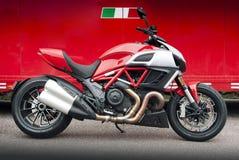 Italiensk sportmotorcykel Arkivfoto