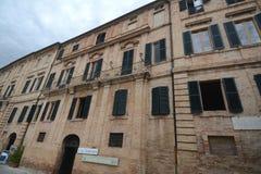 Italiensk stad av Recanati royaltyfri bild