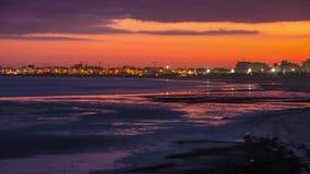 Italiensk strand på solnedgången lager videofilmer