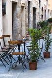 Italiensk utomhus- cafe royaltyfria foton