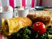 Italiensk vegetarisk lunch med lokala produkter arkivfoto