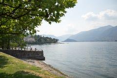 Italiensk villa garned på Como sjön Arkivbild