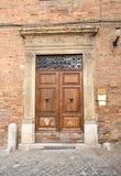 Italiensk ytterdörr Arkivbild