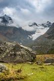 Italienska berg, fjällängar i Valmalenco Royaltyfria Foton
