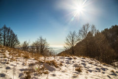 Italienska berg i vintern Arkivfoto