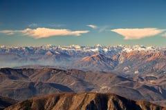 Italienska berg i vintern Arkivfoton