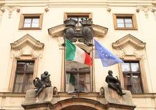italienska europeiska flaggor Royaltyfri Fotografi