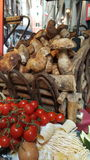 Italienska matingredienser, Rome, Italien arkivfoto