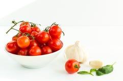 Italienska röda tomater stänger sig upp Arkivfoton
