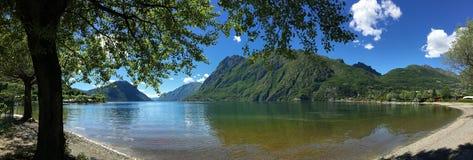Italienska sjöar - sjön Lugano - Italien Royaltyfria Bilder