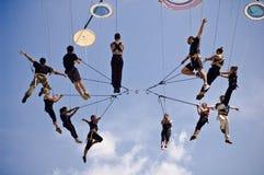 Italienskt akrobatiskt lag i Sibiu Rumänien arkivbild