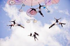 Italienskt akrobatiskt lag i Sibiu Rumänien arkivbilder