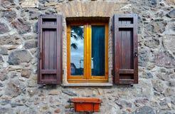 italienskt fönster Arkivbilder