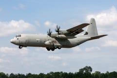 Italienskt flygplan MM62194 för flygvapenAeronautica Militare Italiana Lockheed Martin C-130J-30 Hercules militärt last Fotografering för Bildbyråer