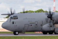 Italienskt flygplan MM62185 för flygvapenAeronautica Militare Italiana Lockheed Martin C-130J Hercules militärt last Royaltyfria Bilder