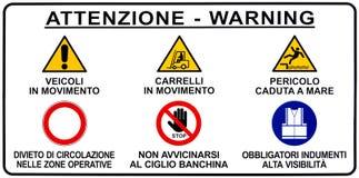 Italienskt hamnstadvarningsvägmärke arkivfoto