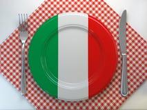 Italienskt kokkonst- eller restaurangbegrepp Platta med flaggan av den Italien anfkniven och gaffeln stock illustrationer