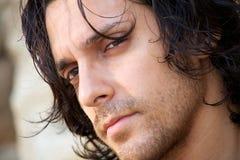 italienskt male model tänka för closeup Royaltyfria Bilder