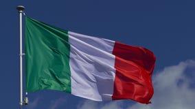 Italienskt vinka f?r flagga arkivfilmer