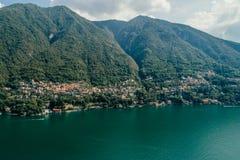 Italy科莫湖寄生虫空气寄生虫夏天照片 图库摄影