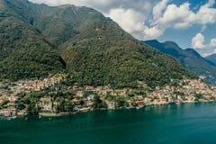 Italy科莫湖寄生虫空气寄生虫夏天照片 免版税库存照片