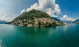 Italy科莫湖寄生虫空气360 vr虚拟现实寄生虫全景 免版税库存图片