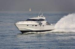 Italy, mar de Tirrenian, iate luxuoso Rizzardi 45 ' Imagens de Stock