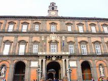 italy napoli Landskap på den berömda Royal Palace av Naples royaltyfri foto